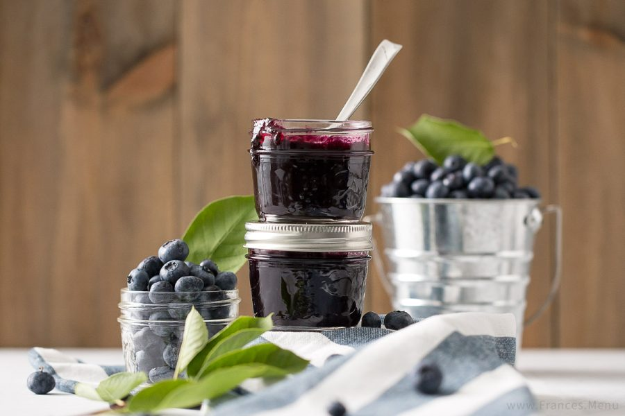Blueberry Vanilla Jam Recipe from www.Frances.Menu. Wonderful combination of flavours! Unique DIY gift idea.